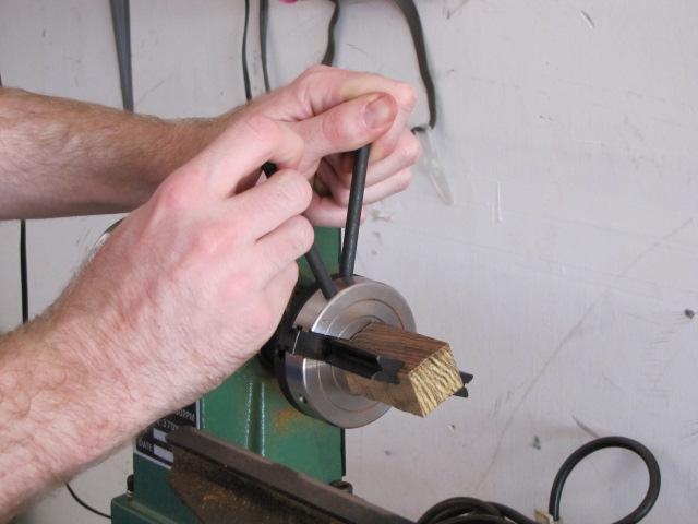 tightening a dedicated pen blank drilling chuck
