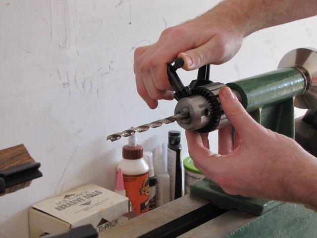 tightening the drill chuck